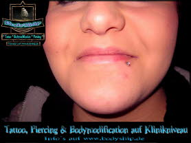 Lip Lippe Glitzer Multi Jeweled Piercing Bodymod by Bodyship Halle - Sachsen Anhalt - www